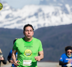 pim1909artr0365; Running in Patagonia for the eighth edition of the Patagonian International Marathon 2019 in Provincia de Última Esperanza, Patagonia Chile; International Marathon; Octava Edición Maratón de la Patagonia, Chile 2019;