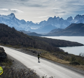 pim1909lues7853e; Running in Patagonia for the eighth edition of the Patagonian International Marathon 2019 in Provincia de Última Esperanza, Patagonia Chile; International Marathon; Octava Edición Maratón de la Patagonia, Chile 2019;